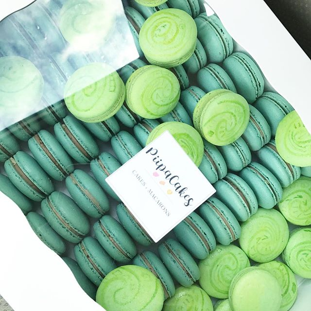 Pleasure to make themed macarons again for a wonderful mom who always throws such amazing birthday parties for her girls #moana #moanaparty