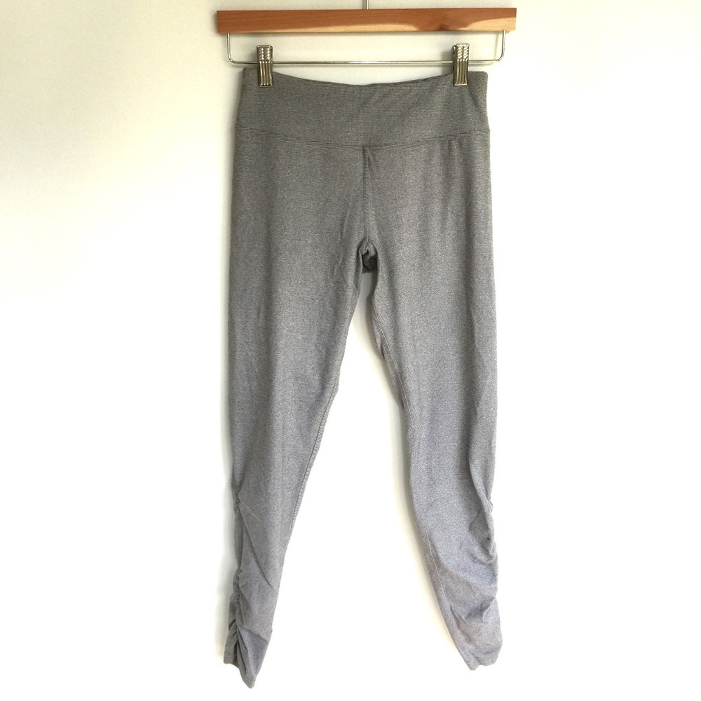 Yoga Pants @ Thrifter Mia