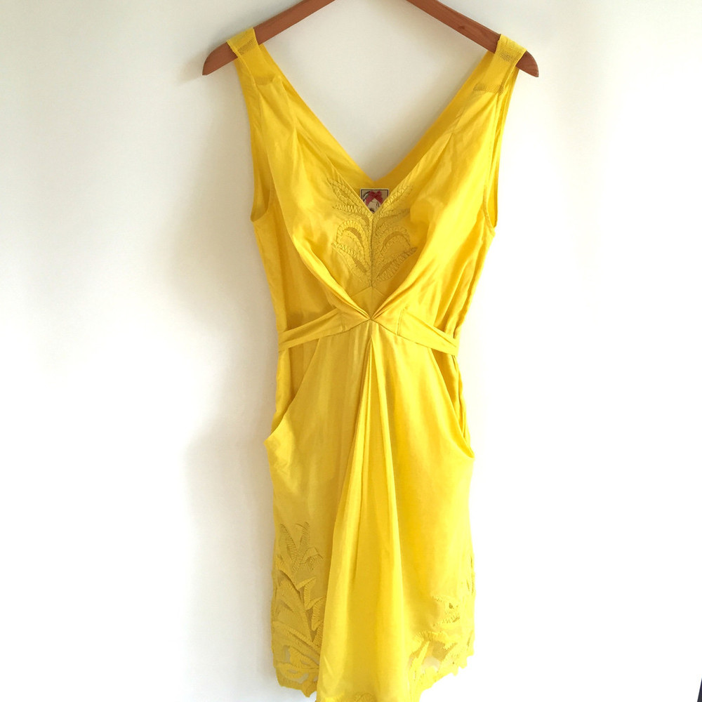 Striking mustard dress @ Thrifter Mia