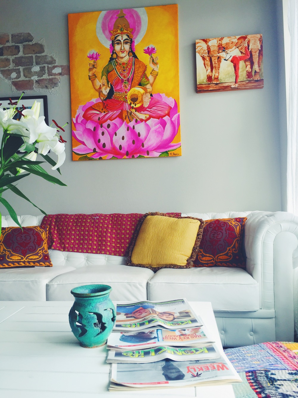 Key West interior decor inspiration! Creamy shades, rustic furniture and Indian inspired accesories!