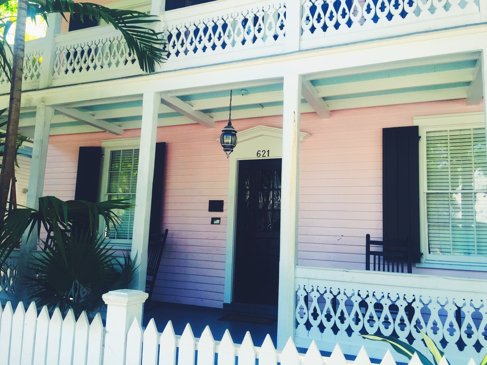 Key West architecture and style is both classic and eclectic. Inspiration for my future house... decor and lanscape!