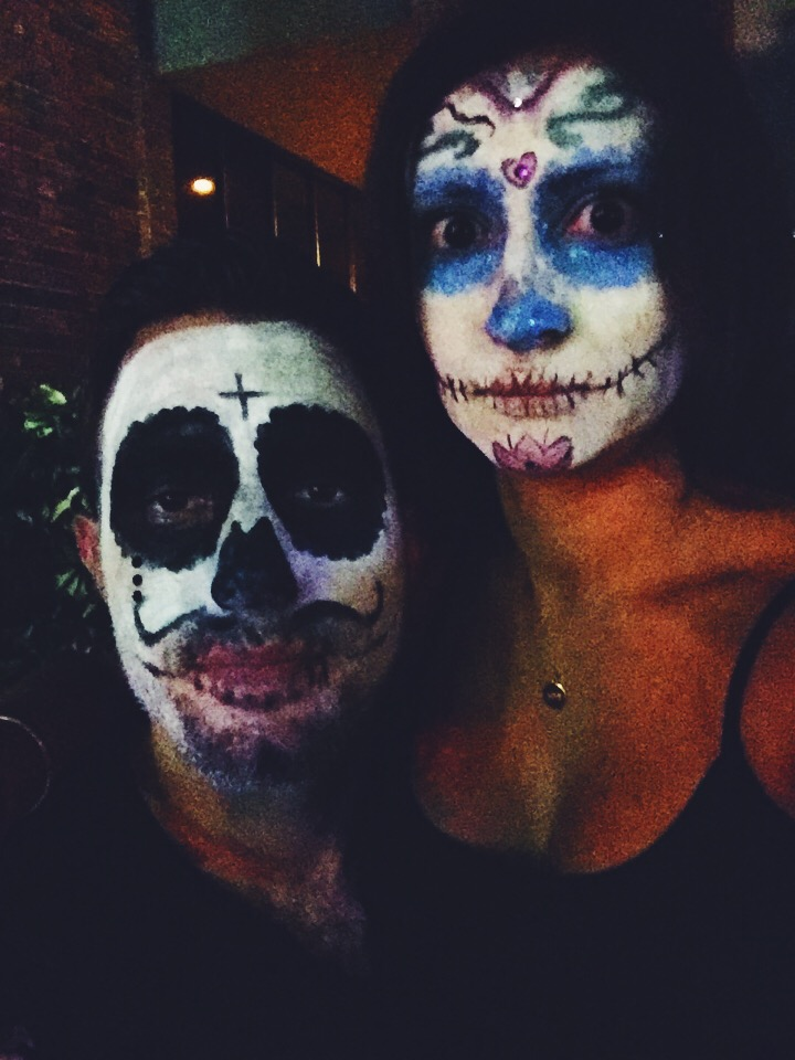 Halloween DIY face painting skulls and Día de Muertos