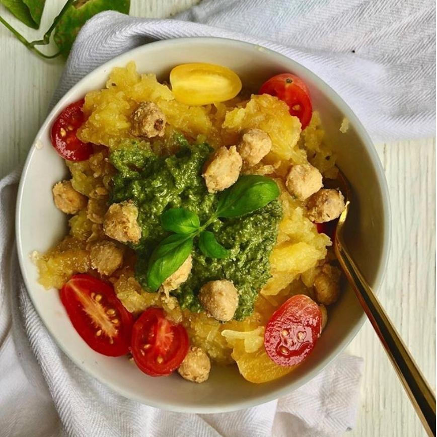 @garlic_head  A Fresh Look at Spaghetti Squash  A Recipe for Pesto Spaghetti Squash & Crispy Chickpeas