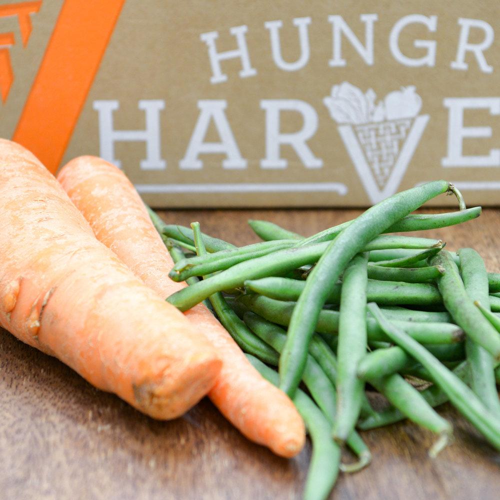 Za'atar Roasted Carrots And Green BeansThey had us at Za'atar. - Find the recipe at: The Lemon Bowl