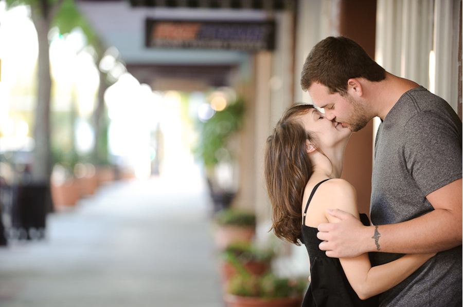 wpid5668-lakeland_engagment_photography_downtown-14.jpg
