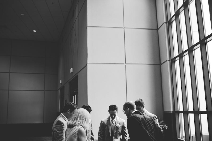 groom prayes before wedding cermony