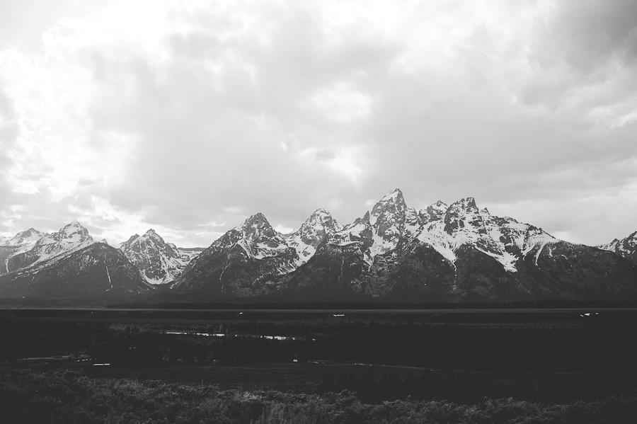 grand teton mountains black and white