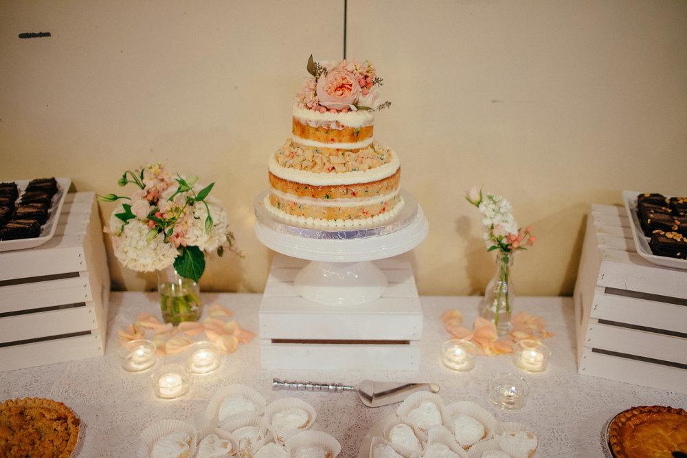 no icing wedding cake