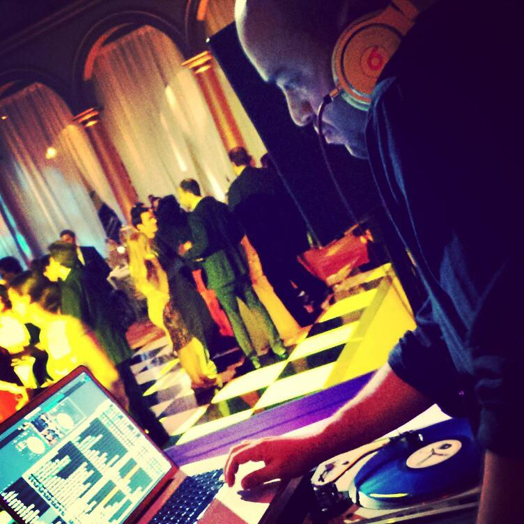 DJs -