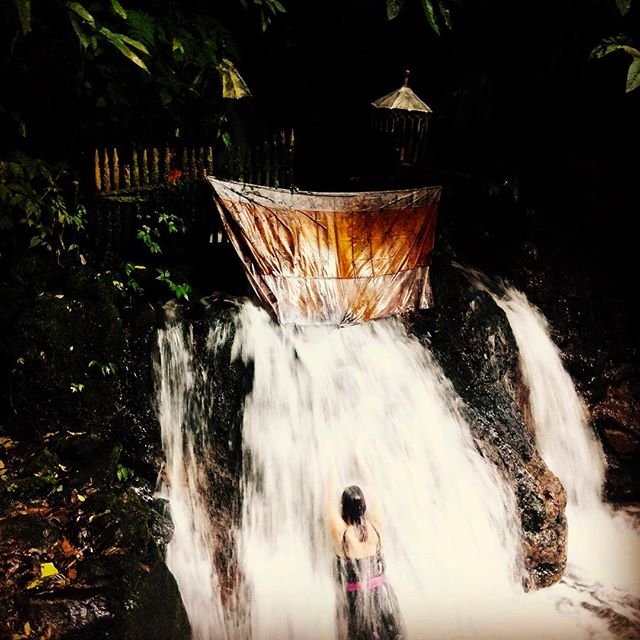 Nature is painting for us pictures of infinite Beauty  @natashathelabel  A magic  experience  at the holy water temple of Sebatu Bali . #beautiful #baliluxe #inspired #pure #grace #water