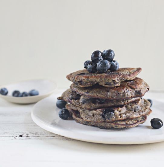 PR3 protein chocolate banana berry pancakes