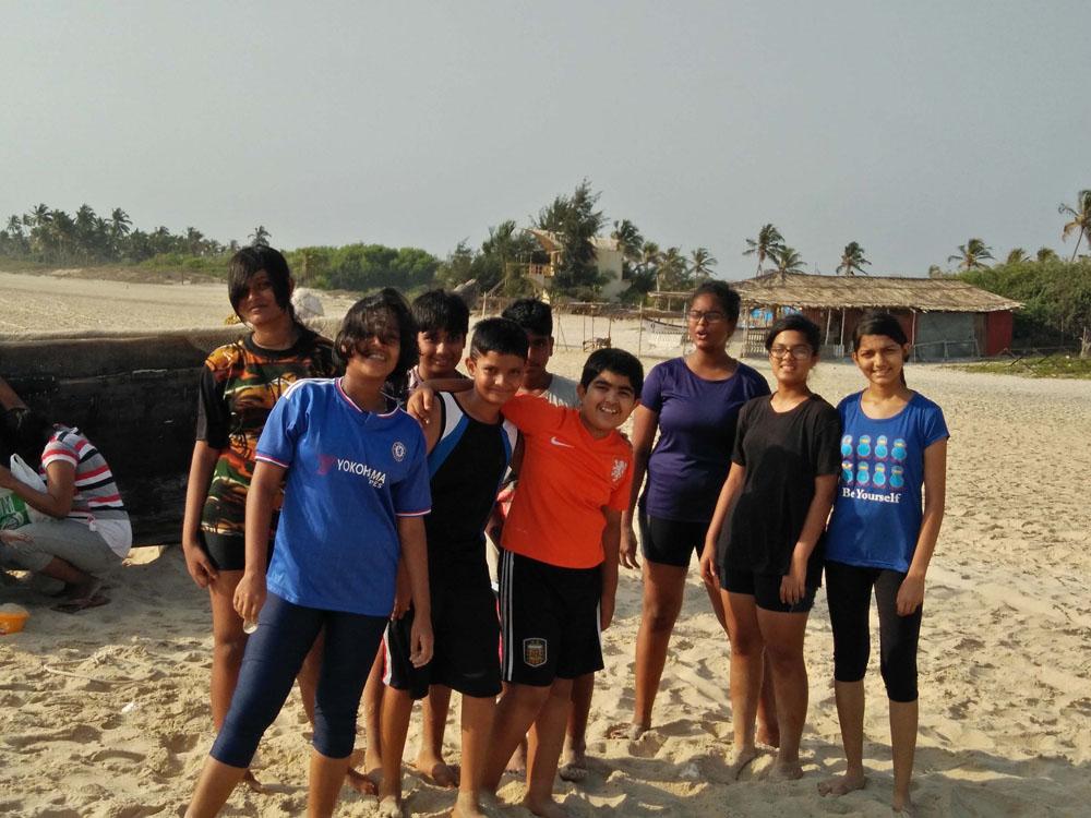 04_Beach - All teams camaraderie.jpg