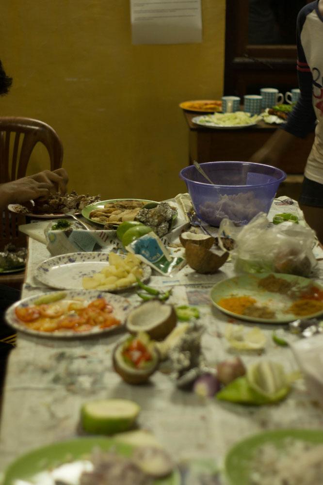 06_Messy kitchen.jpg
