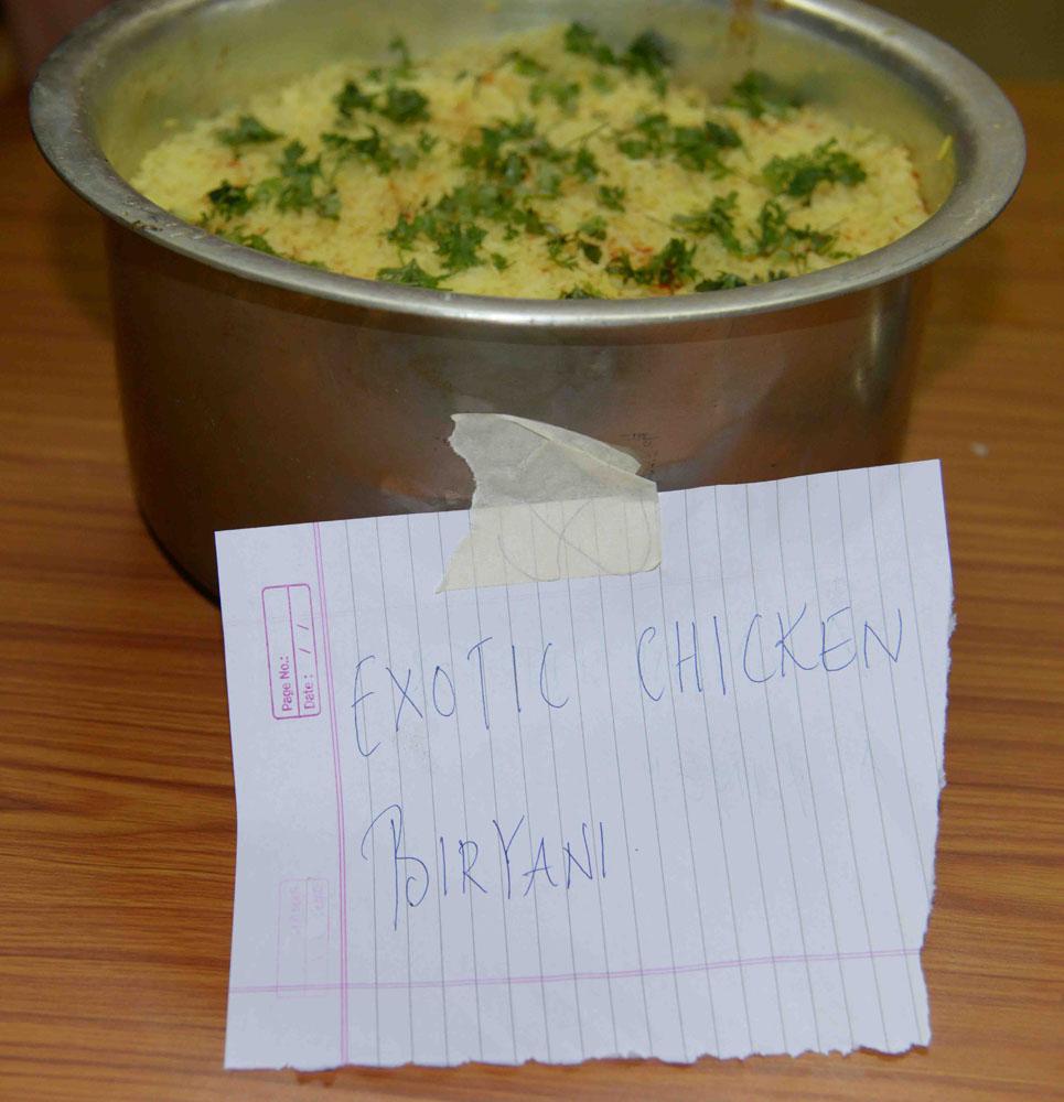 06_Yellows Chicken Biryani.jpg