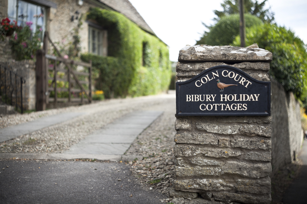 Bibury Holiday Cottages Sign