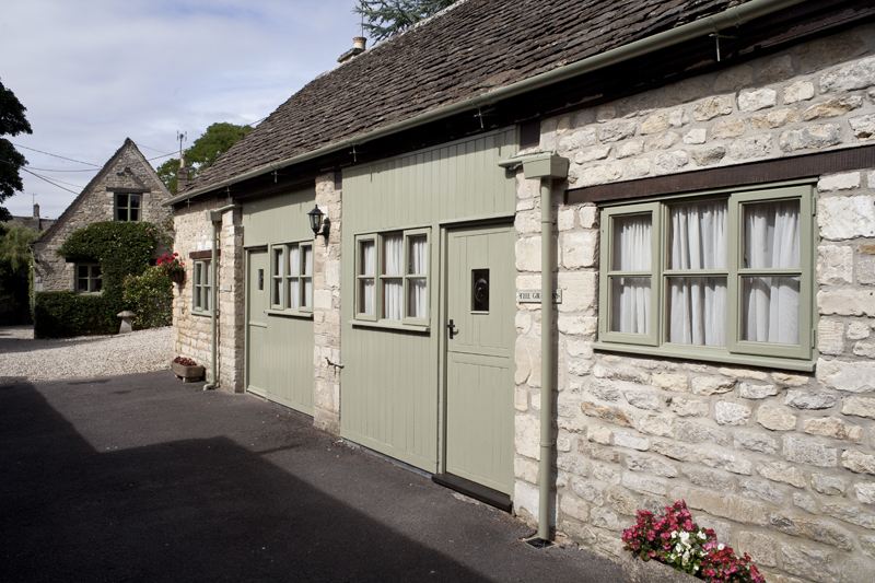 Bibury Holiday Cottages Self Catering Gloucestershire Two Double Bedrooms The Granary