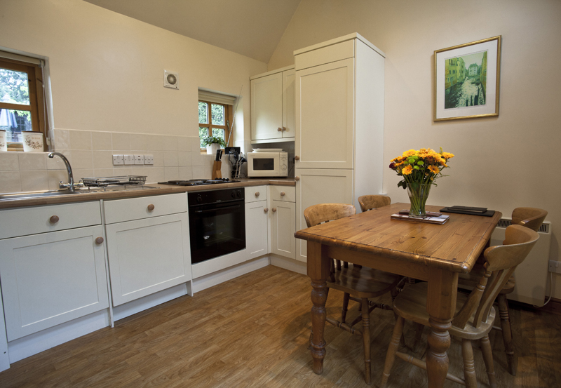 Bibury Holiday Cottage Self Catering Gloucestershire Detached Home The Bakehouse Kitchen