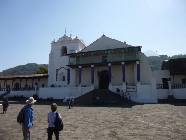 santiago_church_square.jpg