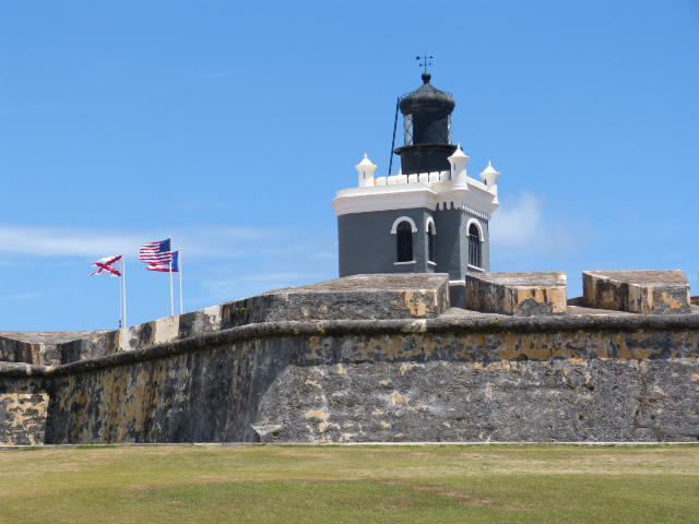 On to Castillo San Felipe Del Morro. It guards the entrance to the harbor. A wonderful place to shoot pictures but I won't post them due to the similarity to the Cristobal shots. Well, except for one...