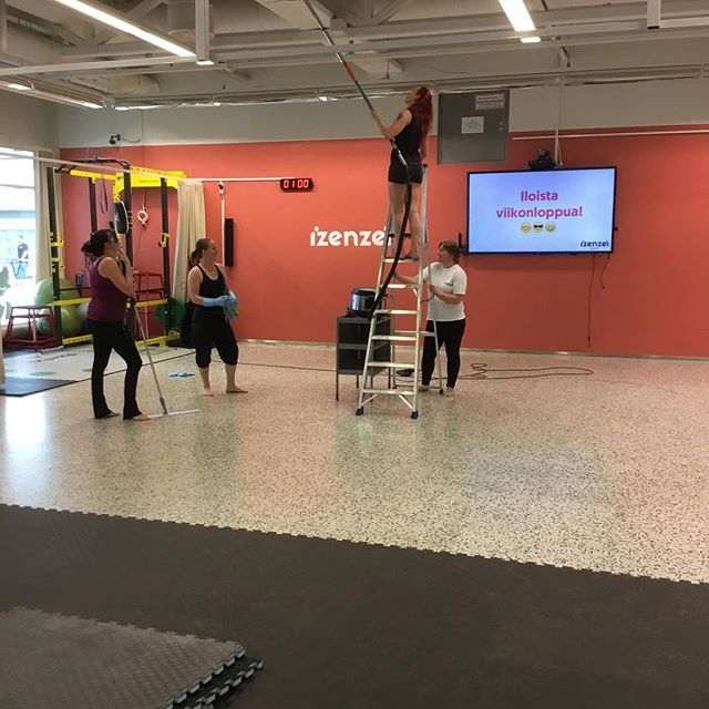 Ladies helping to get the gym clean and ready for new season. Thanks! #izenzei #vuosaari #columbus #girlpower