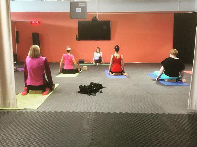 Mellow Yoga on saturday  morning #izenzei #helsinki #jooga #yoga #vuosaari
