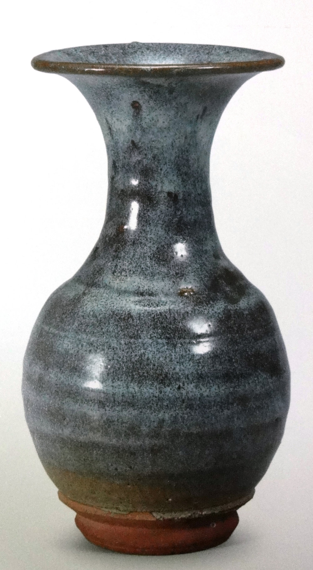 SINAN_32_CHEOL-JEOM-YO_BOTTLE-WITH-OPAQUE-WHITE-GLAZE.jpg