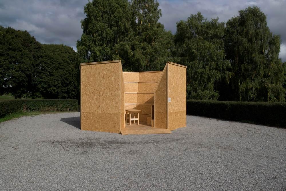 "Petrine L. Vinje ""Anatomisk teater"" Norsk Skulpturbiennale 2013. Foto: Cathrine L. Hansen"