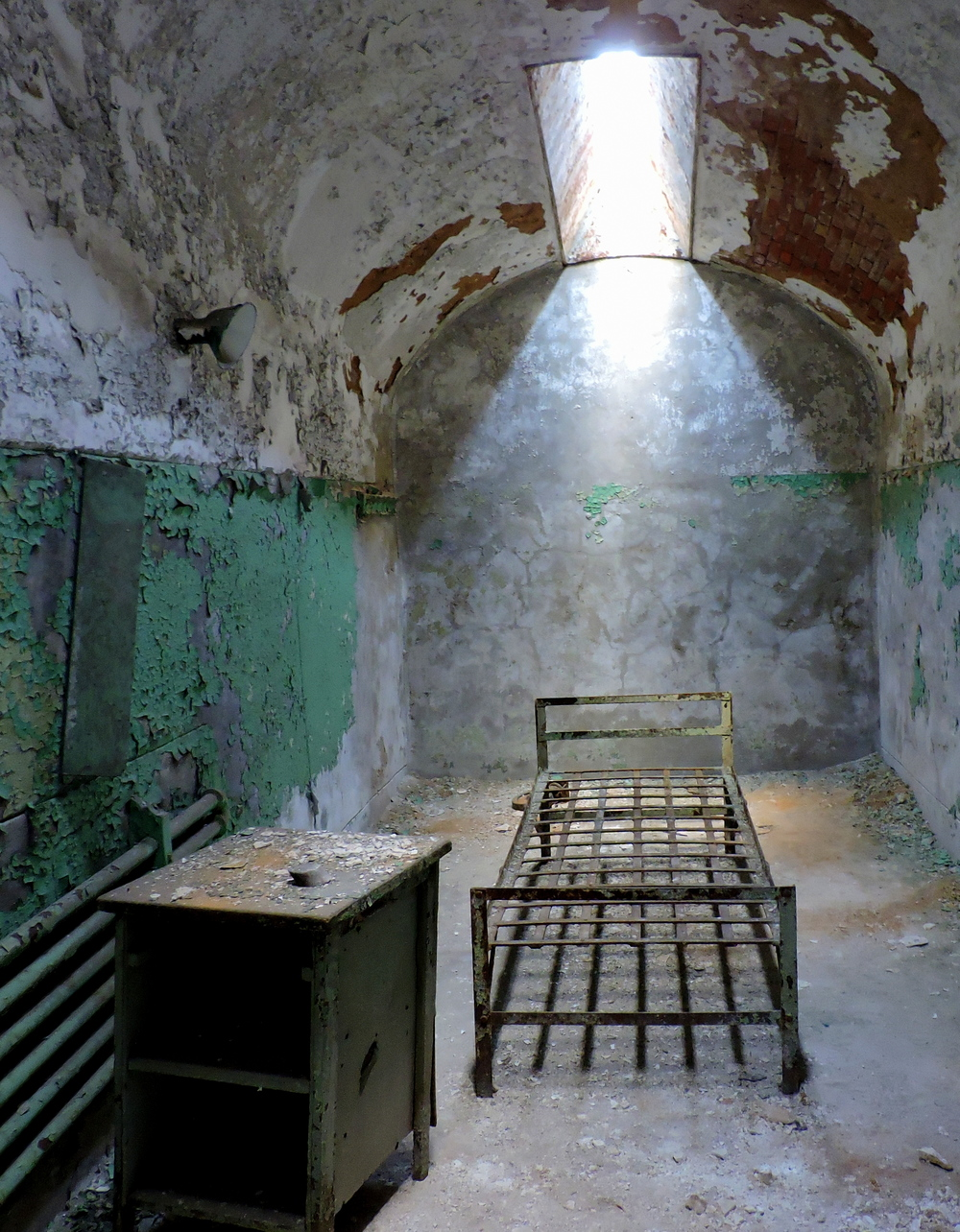 eastern-state-penitentiary-cell