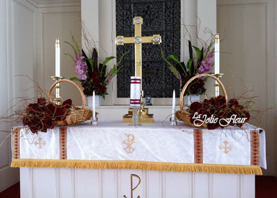 red_white_altar_flowers.jpg