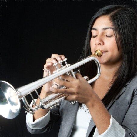 estela-aragon-trumpet-player-teacher-lessons-online-austin-texas.jpg