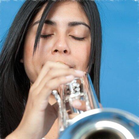 trumpet-player-estela-aragon-private-lessons-online-austin-texas.jpg