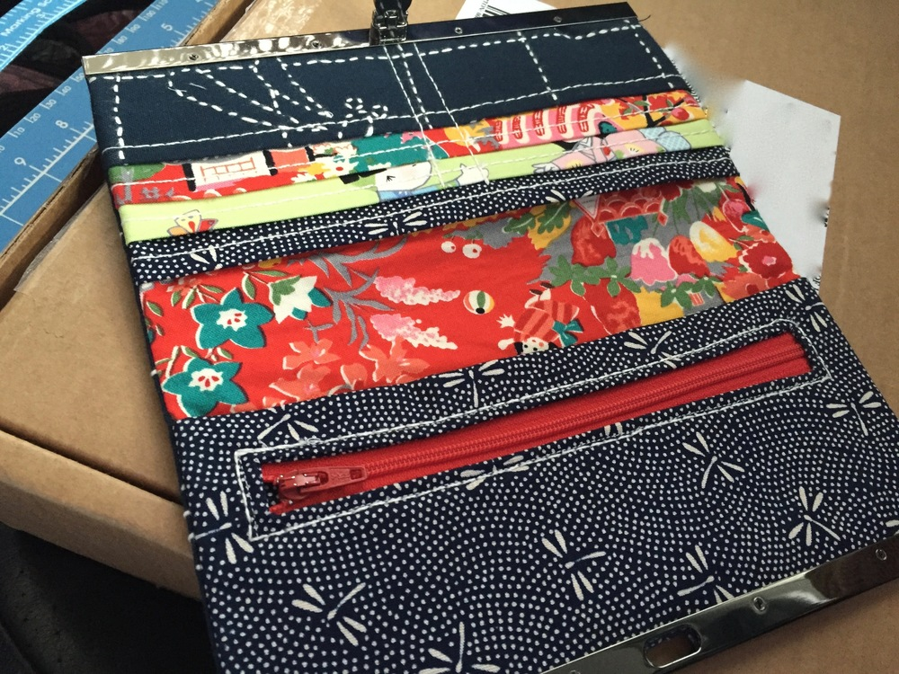 Diva Frame Wallet inside, using up Japanese fabric stash