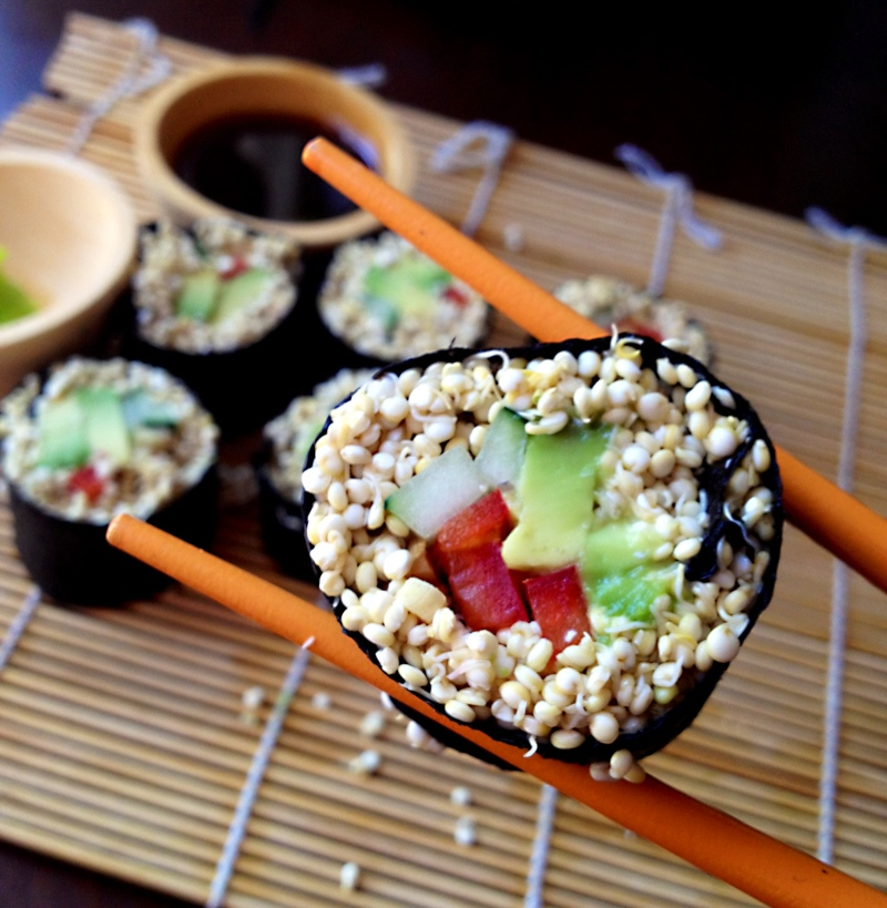 sprouted-quinoa-veggie-sushi-raw-vegan.jpg