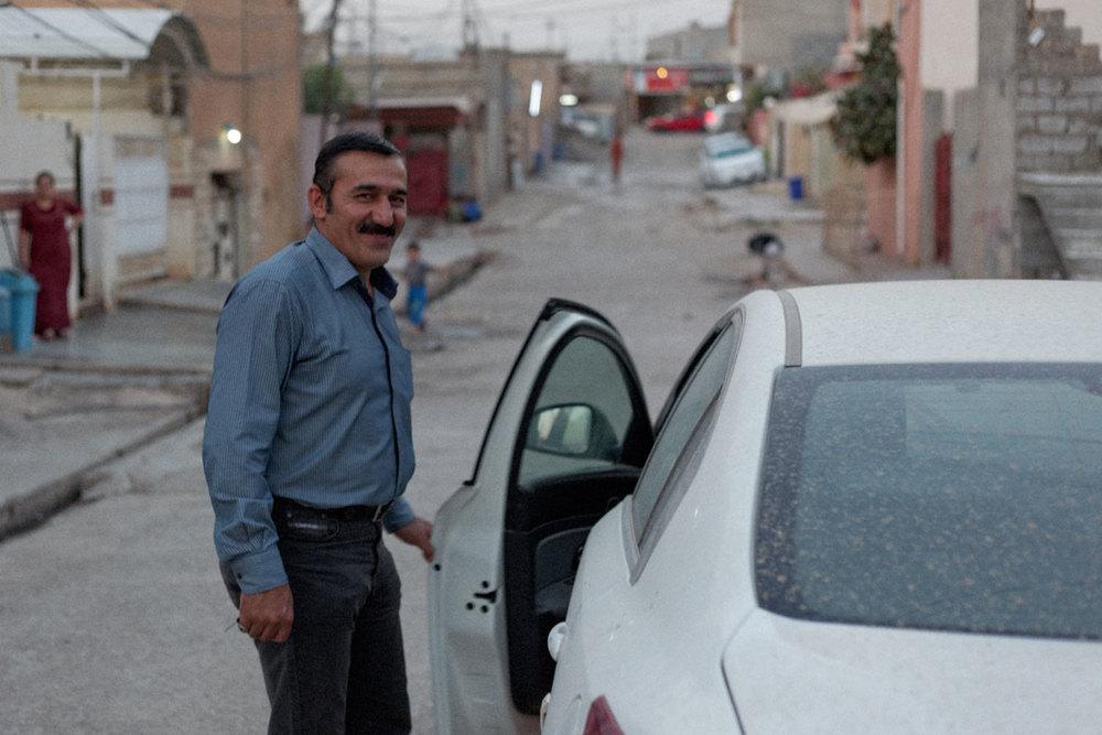 Kak Bakr et sa voiture française