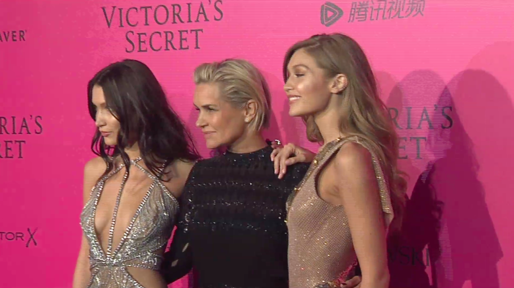 VS Models Gigi and Bella Hadid on the red carpet with their mom, Yolanda