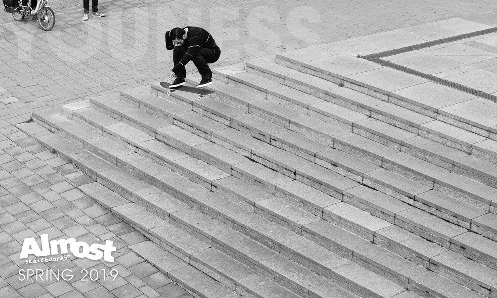 Almost_Skateboards_Youness_Amrani_brussels.jpg