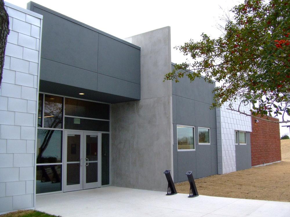 PR_Entrance2.JPG