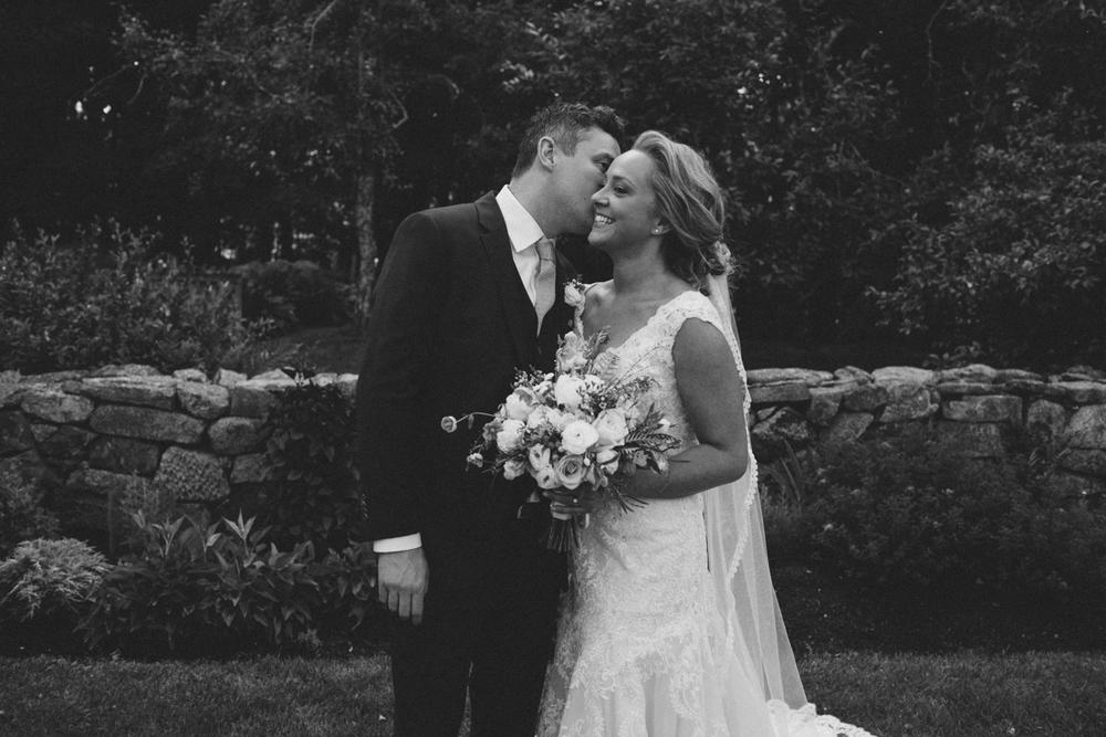 LFA_PattyChris_Josias_River_Farm_Cape_Neddick_York_Maine_Wedding-0022.jpg