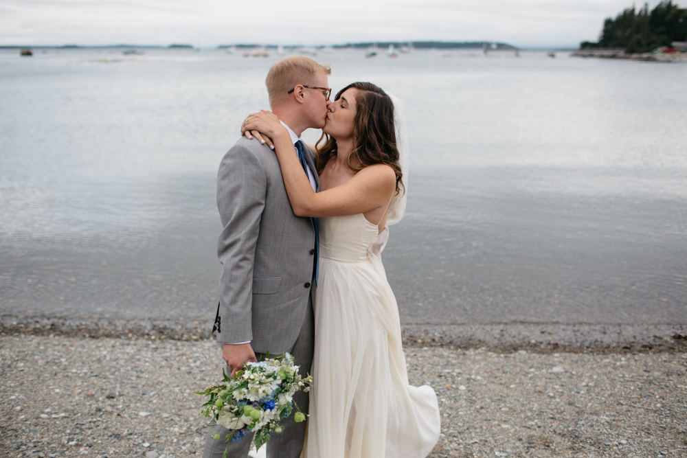 LFA_lucy_ian_wedding_deer_isle_maine006.jpg