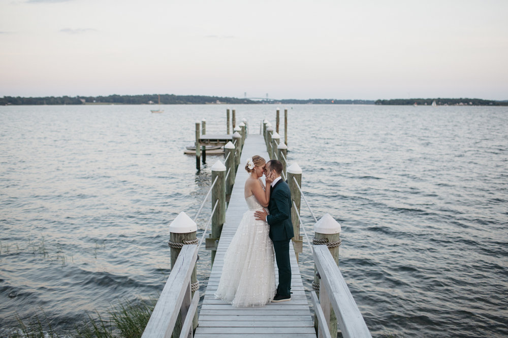 drewmelia_bristol_rhode_island_wedding_private_estate_025.jpg