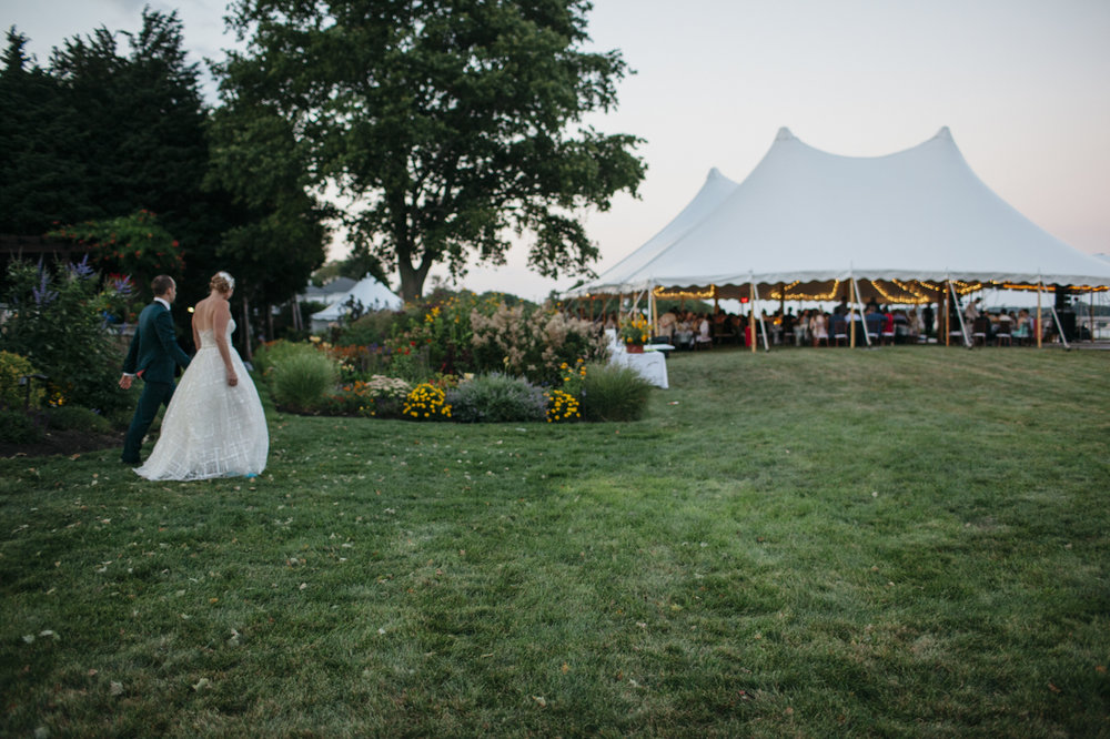 drewmelia_bristol_rhode_island_wedding_private_estate_027.jpg