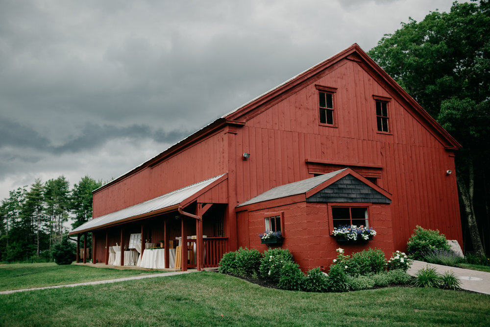 Sam_Joey_William_Allen_farm_barn_wedding_005.jpg