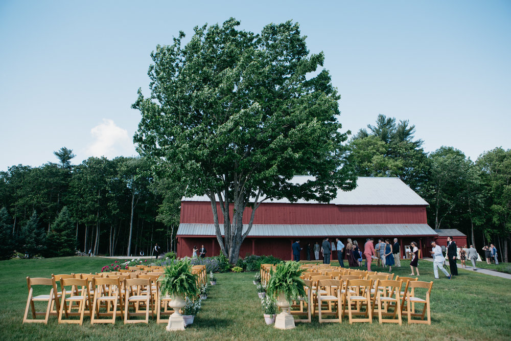 Sam_Joey_William_Allen_farm_barn_wedding_020.jpg