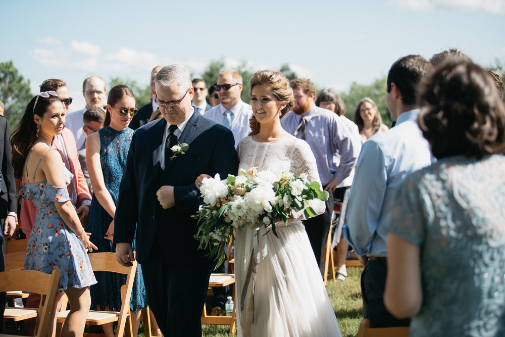 Sam_Joey_William_Allen_farm_barn_wedding_025.jpg