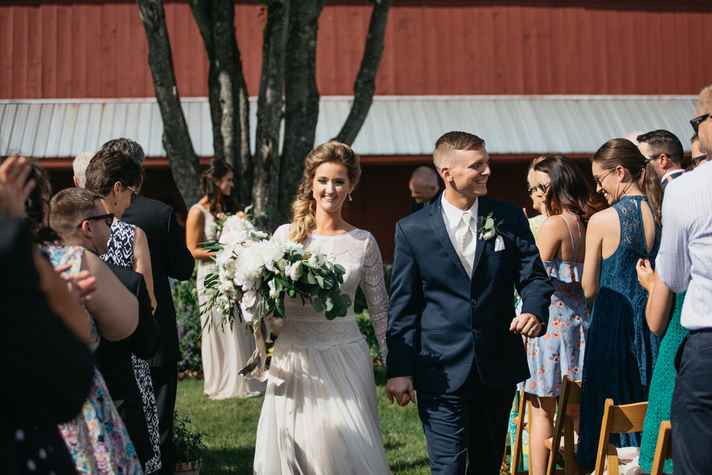Sam_Joey_William_Allen_farm_barn_wedding_029.jpg