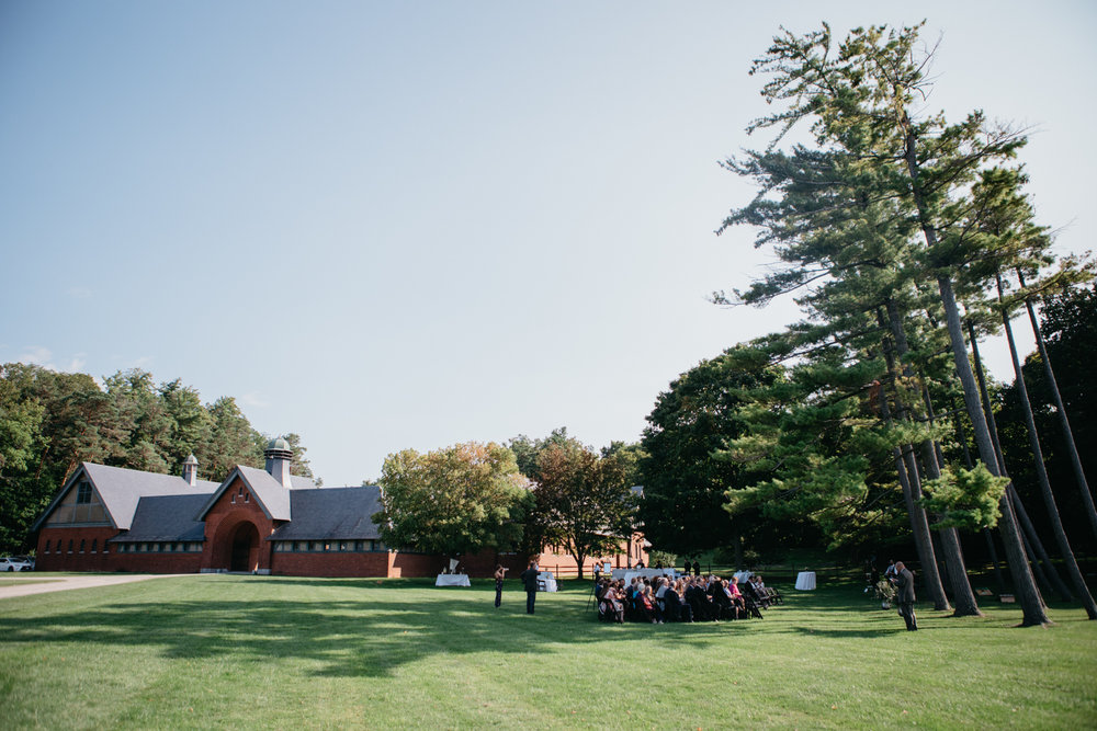 AlyssaErich_Shelburne_Farms_Coach_Barn_Wedding_Vermont_019.jpg