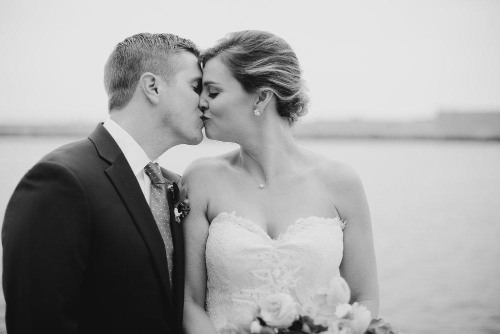 Kara_Jamie_Ocean_gateway_wedding_portland_maine_017.jpg