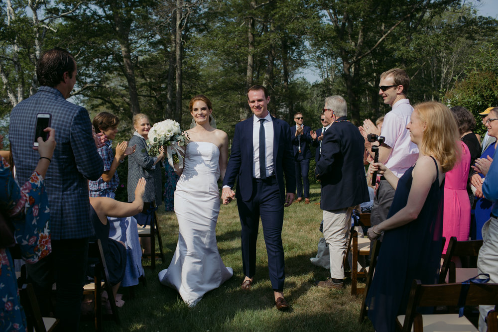 harpswell_maine_wedding_on_a_private_oceanfront_barn_leah_fisher_010.jpg