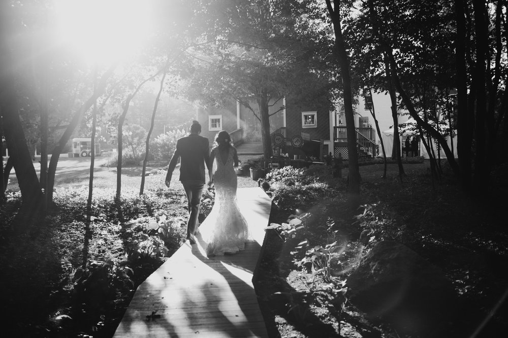 Barn_On_Walnut_Hill_North_Yarmouth_Maine_wedding_Leah_Fisher_Photographer-28.jpg