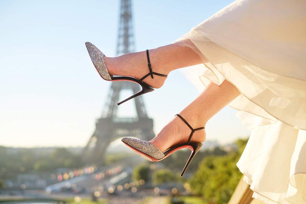 paris-photographer-proposal-trocadero-shoes-Christian-Louboutin-Perona-she-said-yes-eiffel-tower-paris-for-two-love.jpg